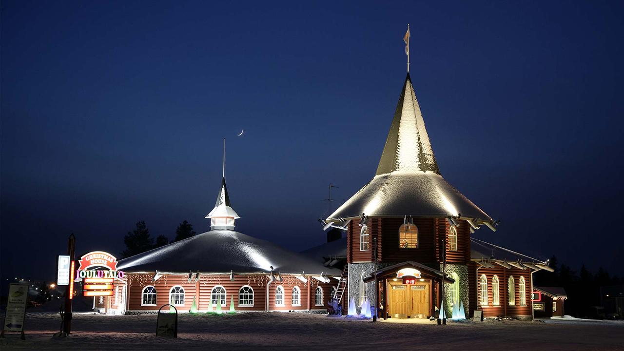 7ad7b3c2a La casa y oficina de Santa Claus en Laponia. Los paisajes nevados de Europa  del Norte
