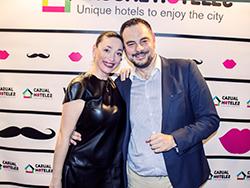 juan-carlos-sanjuan-director-y-fundador-de-casual-hoteles-junto-a-su-mujer-diana-lopez.jpg