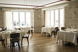 web-el_restaurante_entrevins_ocupa_la_primera_planta_del_edificio_copia.jpg