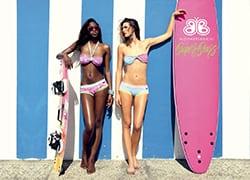 web1-_laura_sanchez_y_sus_bikinis_0_copia.jpg